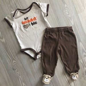 Buy3get1free 🐻9 Month Carters Outfit